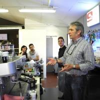 pulyCAFF, i tempi corretti per la pulizia di macchine espresso e macinacaffè