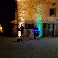 DALLA CIMA AL FONDO, UN EVENTO ELEGANTE E UNICO CON LA VOCE DI ENRICO NADAI E LE SELEZIONI MUSICALI DI DJ.MATT