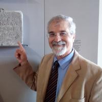 Napoli Al Museo Archeologico Nazionale l'Epigrafe Greco Giudaica del IV secolo d. C. proveniente da Brusciano.   (Scritto da Antonio Castaldo)