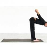 Gli esercizi di yoga per la cervicale
