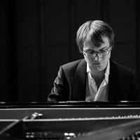 Ilya Maximov un talento del pianoforte