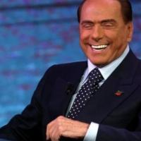 Silvio Berlusconi contro il M5S
