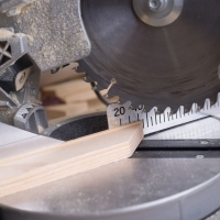 La ferramenta online YouTools, punto di riferimento per professionisti e hobbisti, arricchisce il catalogo con le troncatrici per legno professionali
