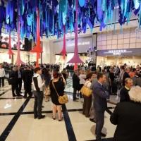 Il centro commerciale aperto anche a Natale: modernità o sfruttamento?