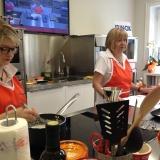 In cucina con le idee di Anna Moroni , la maestra di cucina ha aperto una scuola per imparare.
