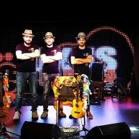 Ukus in Fabula, il trio di ukuleisti musicomici romani,stanno per sbarcare in Australia