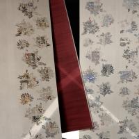 Agena, flower power in chiave moderna per la carta da parati OPHELIA della collezione di dada
