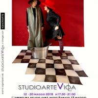 Lì e Ora - performance di Donatella Vici opere di Viola Di Massimo