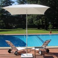 Ombrellone e cuscino Pool di Maffei Srl. Outdoor di tendenza con il Batyline