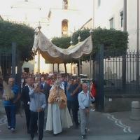 Mariglianella: La Processione del Corpus Domini promossa dalla Comunità Parrocchiale guidata dal Parroco Don Ginetto De Simone. La partecipazione del Sindaco Felice Di Maiolo e dell'Amministrazione Comunale.