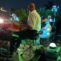 È arrivata l'estate, a Cascina Ovi tornano i Lato Due: oggi (sabato 23/6) serata di cucina e musica live