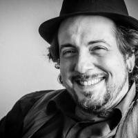 Napodano, cantautore romano ed expat, pubblica