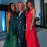 Fabrizia Spinelli e Claudia Sartorelli indossano abiti firmati Viola Ambree alla sfilata Next Trend organizzata durante la settimana della moda AltaRoma