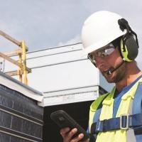 RS Components inserisce a catalogo un nuovo accessorio wireless per le cuffie PELTOR X che consente una comunicazione chiara in ambienti rumorosi