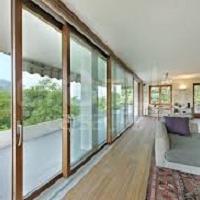 Infissi casa, le tendenze 2018 dicono legno e grandi vetrate