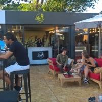 Un'estate dal sapore internazionale per le bevande Neri.  Attori e Cantanti affascinati da Chin8, Limoncedro, Aranciosa e Gassosa