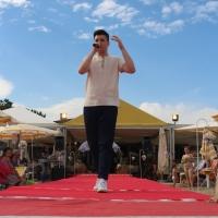 """Enrico Nadai ospite di """"Moda sotto il sole"""" al ristorante """"Terrazza Mare"""" (Porto Santa Margherita – Ve)"""
