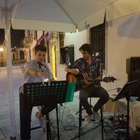 """Enrico Nadai e il chitarrista Eros Menegazzo live a """"Dalla Cima al Fondo"""""""