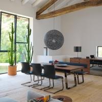A pranzo nella natura: 3 abbinamenti tavolo-sedia firmati TEAM 7