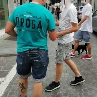 Materiale di prevenzione dall'abuso di Alcol, Cocaina e Marijuana in Via Milano a Brescia.