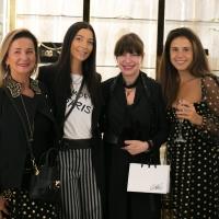 Aperitivo chic per il nuovo CarlaG a Napol, oltre 150 invitati per l'inaugurazione dello store del noto brand di moda femminile