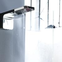 Damast, soffione doccia a muro TESEO: tre getti in uno con … nebulizzazione!
