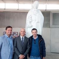 """Luigi Minichino a Castelcisterna ha presentato la scultura """"Maria Madre della vita"""". L'Amministrazione Comunale di Mariglianella si congratula con il suo concittadino."""