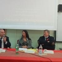 """Mariglianella: All'ICS Carducci, per la """"Giornata Internazionale contro la violenza sulle donne"""" svolto il convegno """"Non Esiste l'Amore che Uccide""""."""