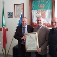 Mariglianella: Pergamena dell'Amministrazione Comunale al mariglianellese Nicola Ricci, nuovo Segretario Generale Regionale CGIL Campania.