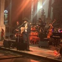 """Alla Basilica di San Domenico Maggiore grande successo per la """"LEITOURGHIA D' INVERNO"""" di Vinicio  Capossela."""