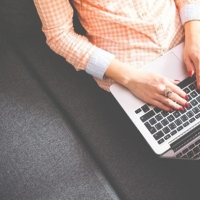 Commenti offensivi sul web, blogger condannato per diffamazione