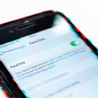 Chat di gruppo: Apple FaceTime trasforma l'iPhone in una cimice