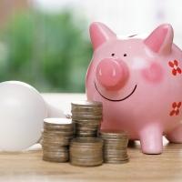 Bollette: ogni famiglia italiana paga in media 1.200 euro l'anno