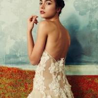 Tendenze: la sposa de La Vie en Blanc Atelier si colora di cipria e cannella