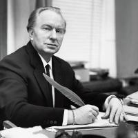 L. Ron Hubbard:  filosofo ed umanitario