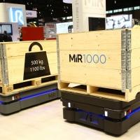 Mobile Industrial Robots presenta MiR1000: trasporto di carichi pesanti e pallet fino a una tonnellata e primo sistema di navigazione dell'intera flotta basato sull'IA