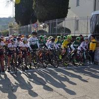 """Centoventi giovani ciclisti in strada per il """"Trofeo Agazzi"""""""