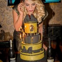 Festa come in un film il compleanno della showgirl Cristina Roncalli