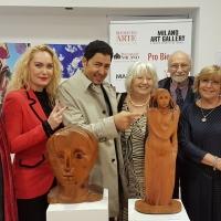 Pro Biennale: alla scultrice romana Paola de Gregorio il Premio Biennale Sgarbi 2019