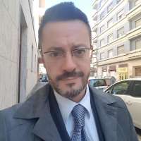 Debutto del regista Dante Roberto Muro, da cantante lirico a regista di prosa, musical, sitcom, webserie, al Rigoletto di G.Verdi per CentOpera Festival.