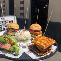 Tutti pazzi per gli hamburger, da East Market Diner c'è
