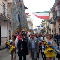 -Brusciano La Questua del Giglio Passo Veloce per la 144esima Ballata dei Gigli in Onore di Sant'Antonio di Padova. (Scritto da Antonio Castaldo)