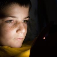 Adolescenti e tecnologia: come evitare la dipendenza dei più piccoli