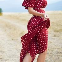 Abiti lunghi eleganti: scegli il rosso per non passare inosservata