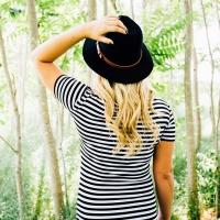 Conviene comprare con i saldi abbigliamento donna estate?