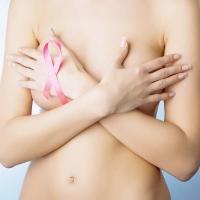 Tumore al seno: si può allattare dopo?