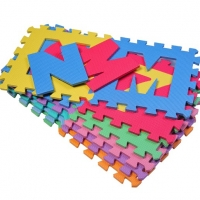 Tappeto puzzle: per arredare con praticità e per far imparare divertendosi il bambino