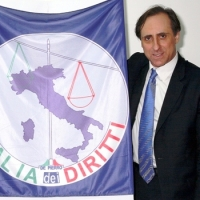 Antonello De Pierro assalito su web da migliaia di utenti di destra dopo innocuo post