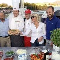 """Dal Pizza Village è partita la Pizza """"Scegli Napoli"""""""