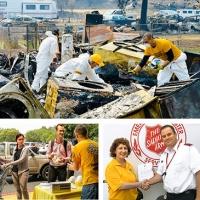 I Ministri Volontari di Scientology al lavoro dopo il disastroso incendio di Carr, in California